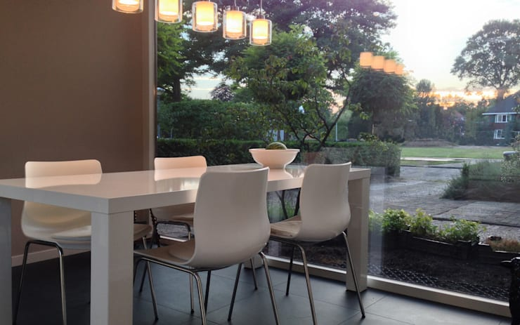 Salle à manger de style de style Moderne par 2architecten