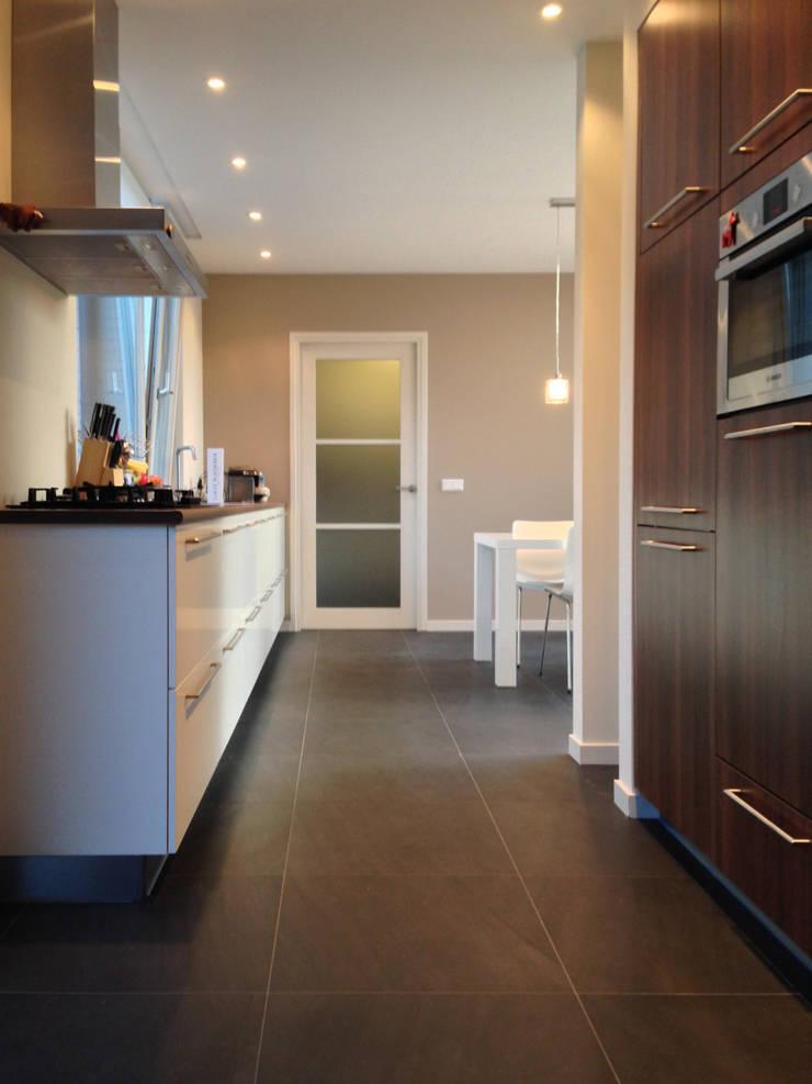 Woonhuis DPKU Eindhoven :  Keuken door 2architecten