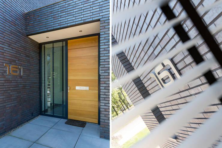 Woonhuis PMTJ Eindhoven :  Ramen door 2architecten, Modern