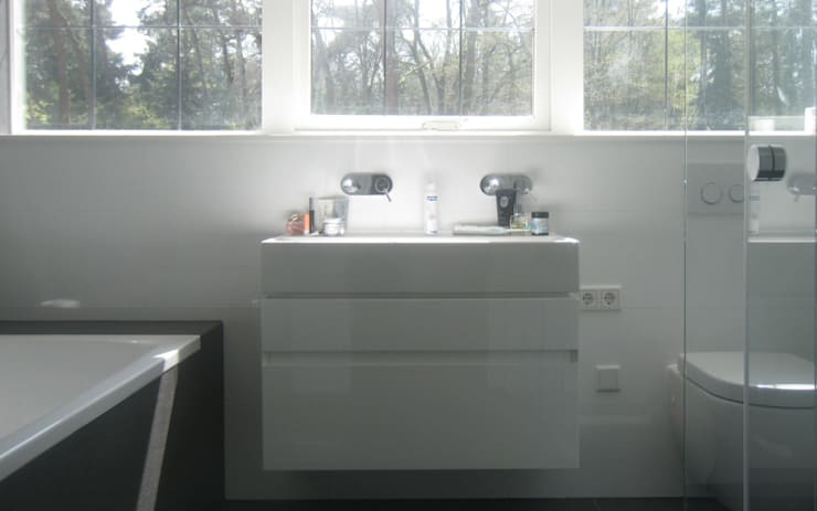 Landhuis Mierlo :  Badkamer door 2architecten, Modern