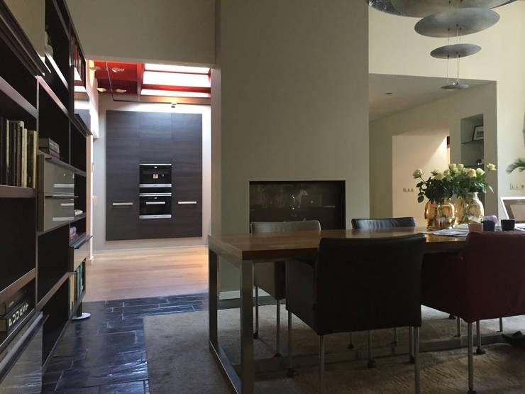 Woonhuis TIVE Rosmalen :  Eetkamer door 2architecten