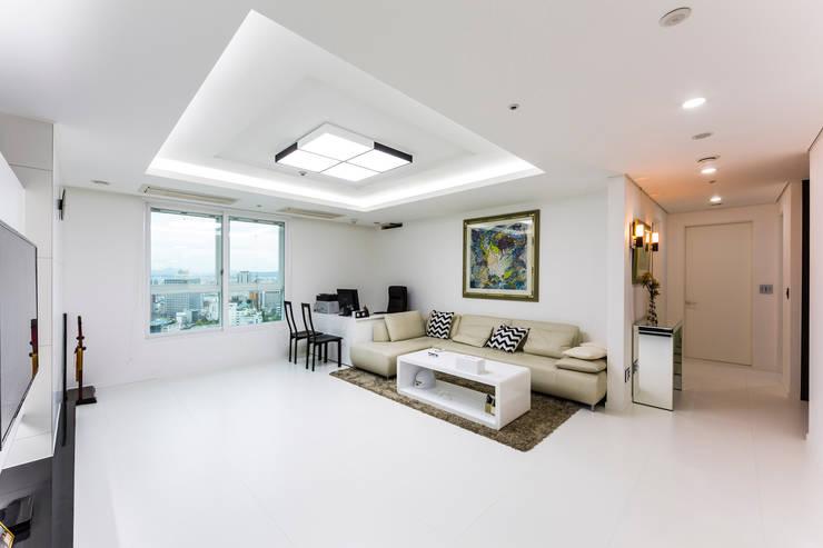 Ruang Keluarga by dual design