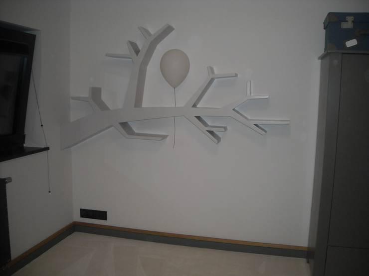 Półka gałaź: styl , w kategorii Pokój dziecięcy zaprojektowany przez INSPIRUJĄCE PÓŁKI