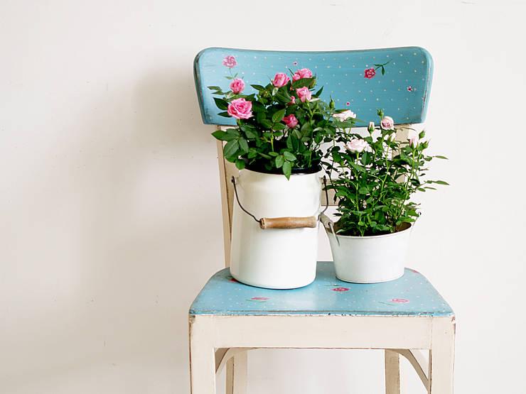 Różane Krzesło: styl , w kategorii Domowe biuro i gabinet zaprojektowany przez Treefabric