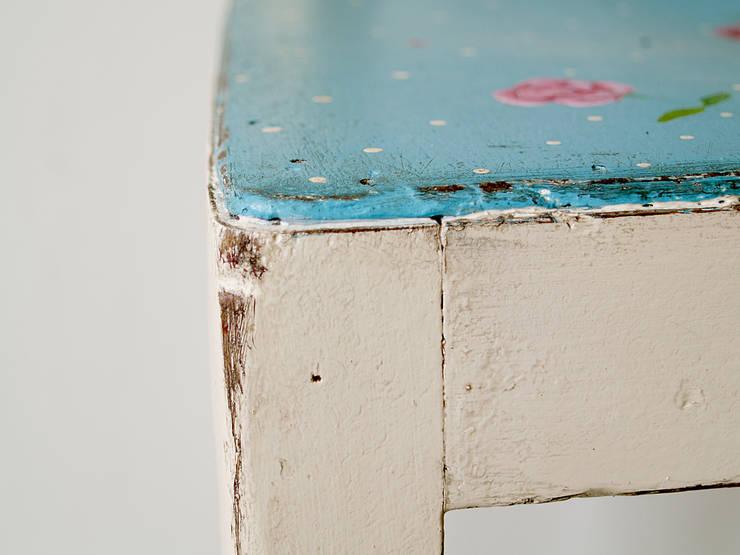 Różane Krzesło: styl , w kategorii Pokój dziecięcy zaprojektowany przez Treefabric