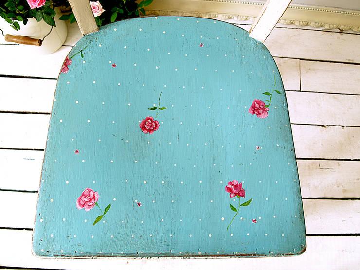 Różane Krzesło: styl , w kategorii Salon zaprojektowany przez Treefabric