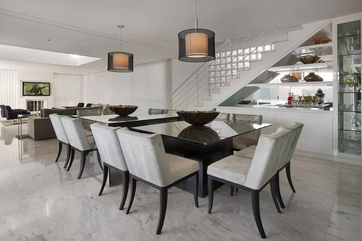 Sala Jantar por Fernanda Andrade Arquitetura e Interiores Moderno