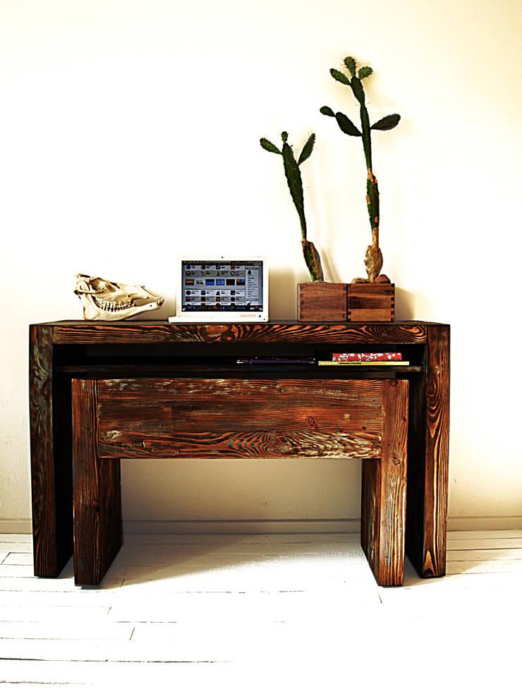 Drewniana Konsolka: styl , w kategorii Domowe biuro i gabinet zaprojektowany przez Treefabric,