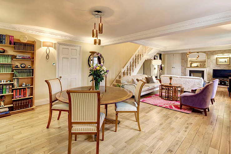 Salon de style  par Chameleon Designs Interiors, Rustique
