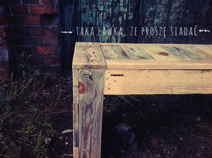 Drewniane Ławki: styl , w kategorii Balkon, weranda i taras zaprojektowany przez Treefabric