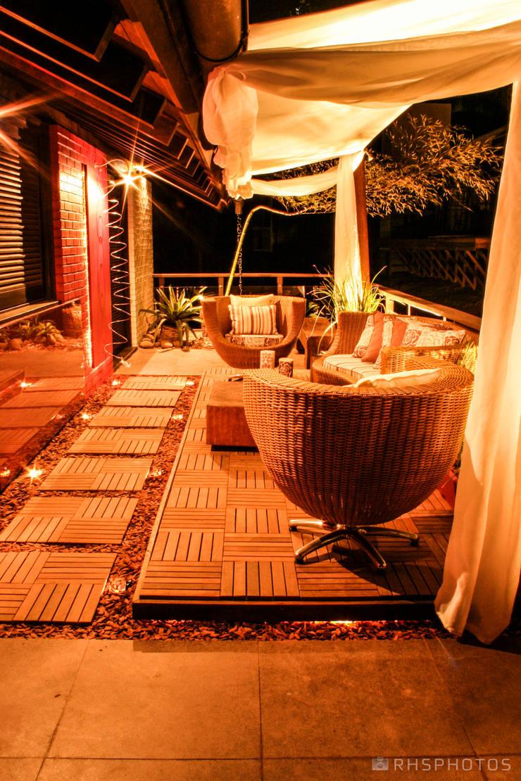 Varanda do Jovem Casal - Casa Cor 2008 Porto Alegre: Espaços comerciais  por DecoraPhotos - RHSPhotos