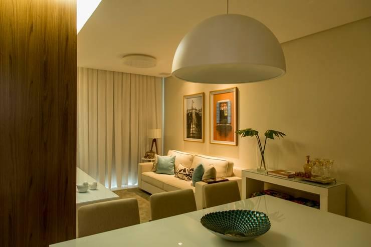 Foto 03 - Living Apartamento A+B: Salas de jantar  por abmaisarquitetos