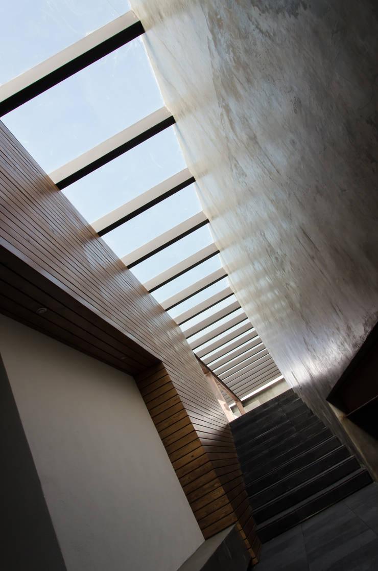 LUCERNARIO salon de eventos: Salones para eventos de estilo  por CANOCANELA arquitectura