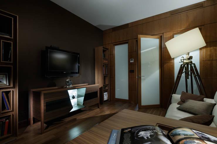 Квартира на Ленсовета: Медиа комнаты в . Автор – Юдин и Новиков