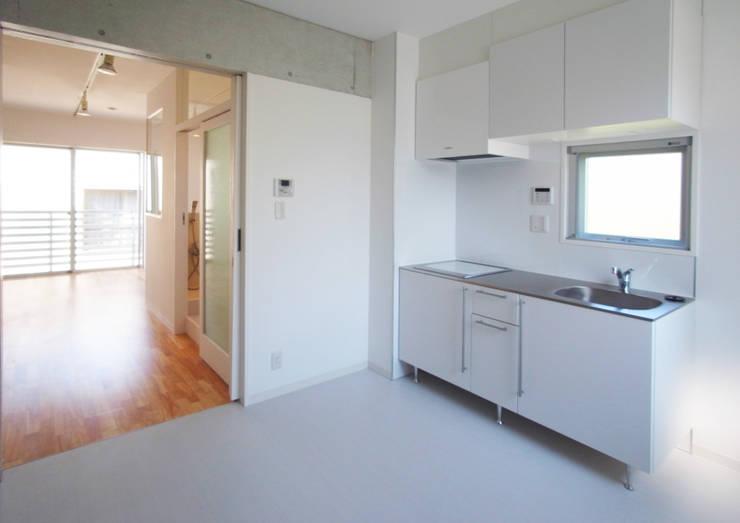 立川の賃貸マンション: ユミラ建築設計室が手掛けたキッチンです。