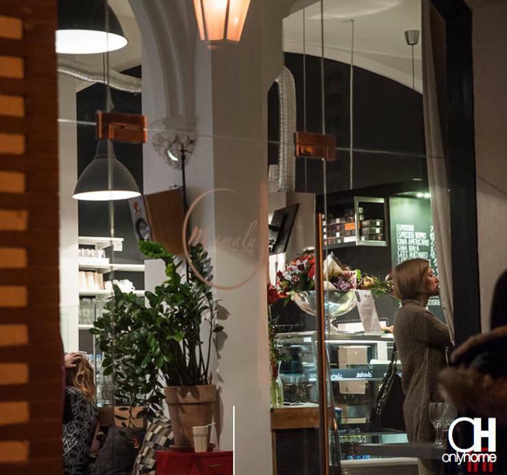 Widok z zewnątrz: styl , w kategorii Gastronomia zaprojektowany przez OnlyHome