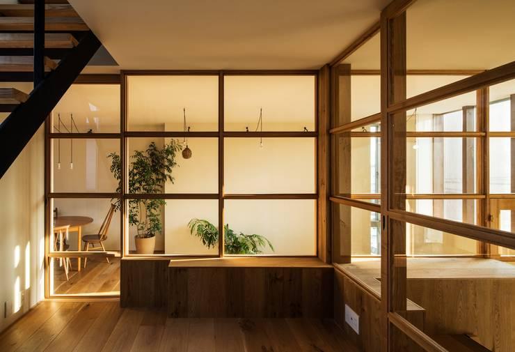 by Mimasis Design/ミメイシス デザイン Modern
