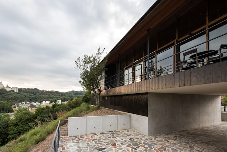 Maisons de style  par Mimasis Design/ミメイシス デザイン, Moderne