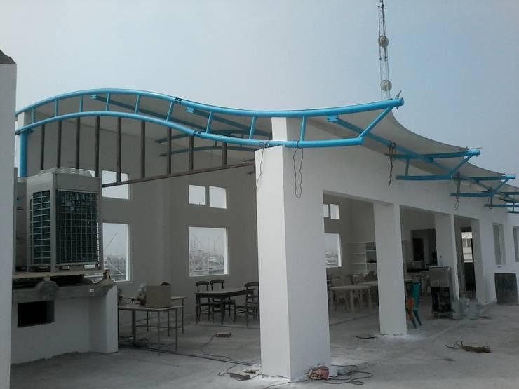 Phòng ăn theo Fabritech India, Hiện đại