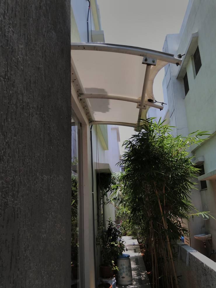 Entrance Canopies for ACP Shiva Kumar:  Terrace by Fabritech India