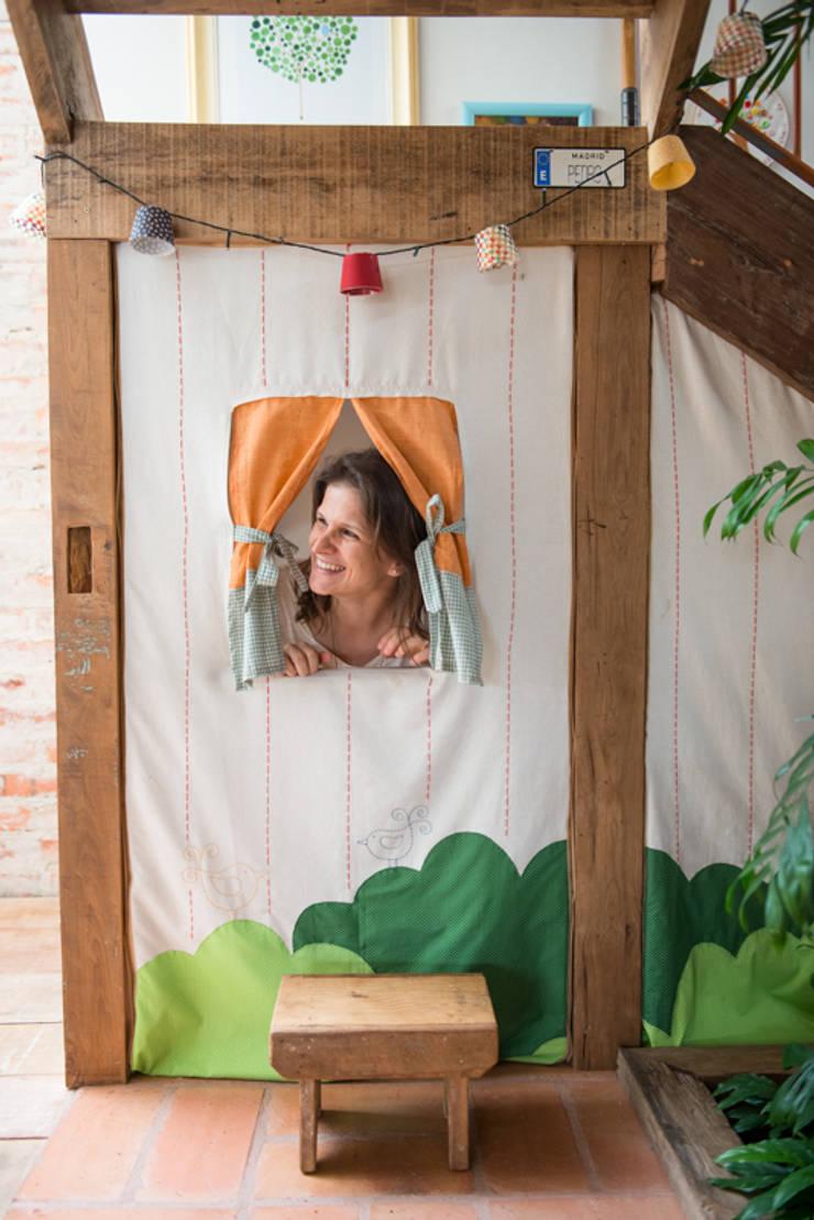 Espaço Infantil: Corredores e halls de entrada  por Falchetti Photo Concept