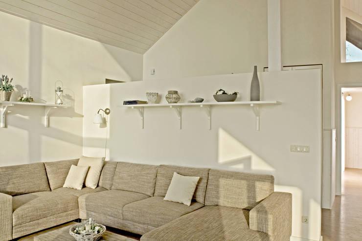 غرفة المعيشة تنفيذ Büro Köthe