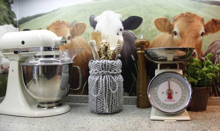 Wazon - pojemnik ubrany w sznurek: styl , w kategorii Kuchnia zaprojektowany przez Manufaktura pracownia artystyczna