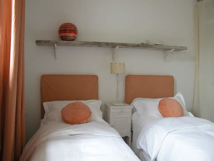 臥室 by DX ARQ - DisegnoX Arquitectos, 現代風