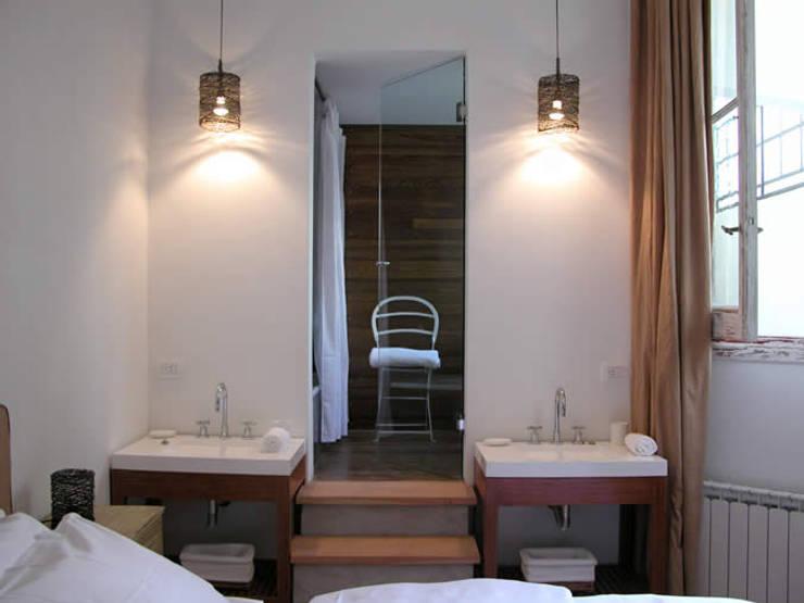 浴室 by DX ARQ - DisegnoX Arquitectos, 現代風