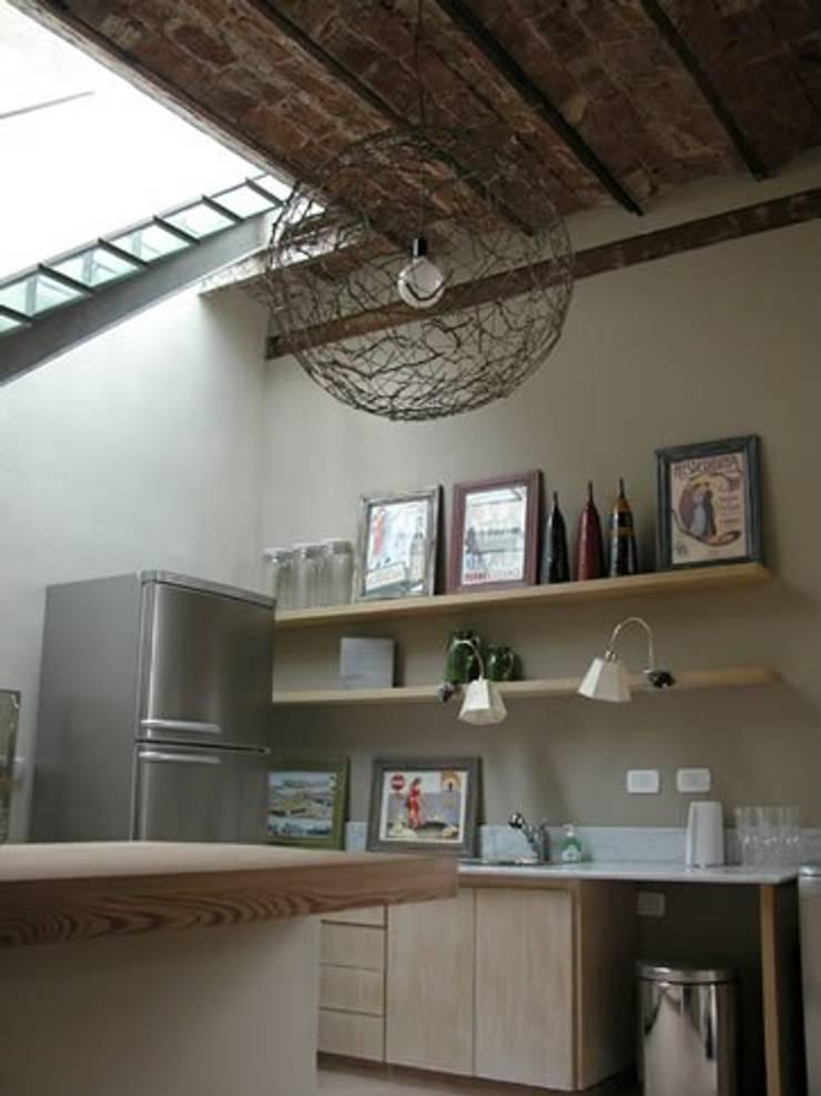 廚房 by DX ARQ - DisegnoX Arquitectos, 現代風
