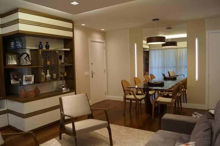 Sala Leblon 2014: Salas de jantar  por Catharina Quadros Arquitetura e Interiores,