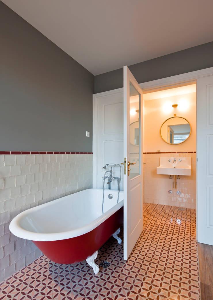 HOTEL PORTO A.S. 1829: Hotéis  por JRBOTAS Design & Home Concept