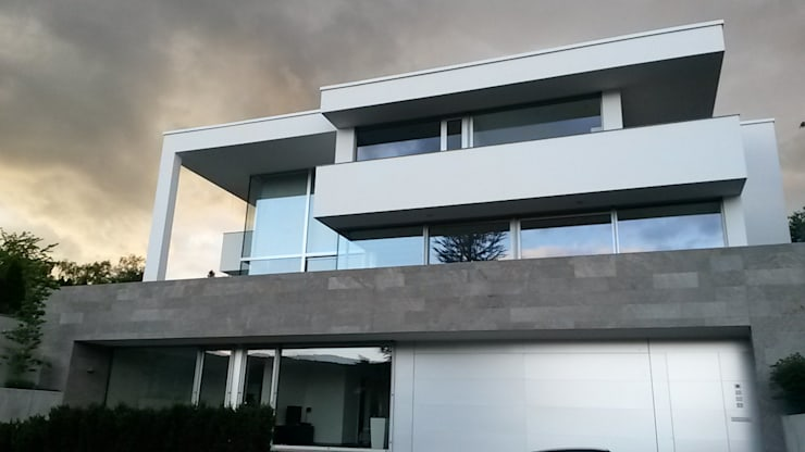 Südansicht: moderne Häuser von Diemer Architekten