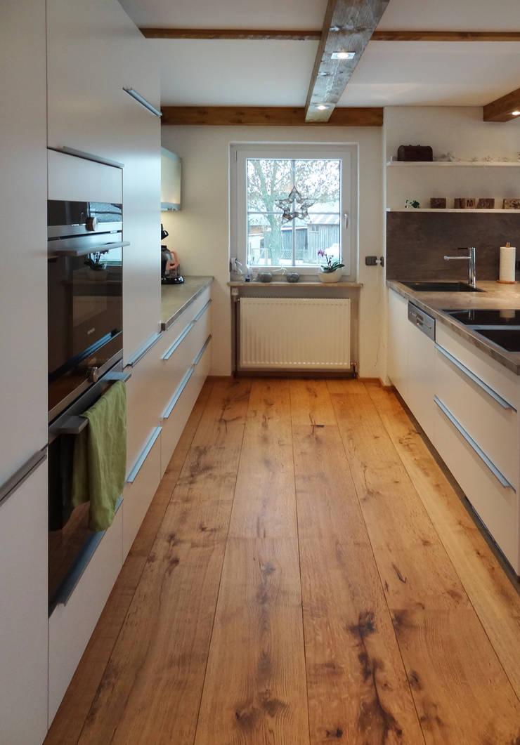 Küche in weiss matt lackiert von herpich & rudorf GmbH + Co. KG | homify
