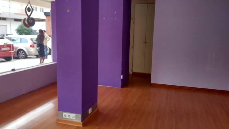 Espaço Comercial ANTES:   por Andreia Louraço - Designer de Interiores (Contacto: atelier.andreialouraco@gmail.com)