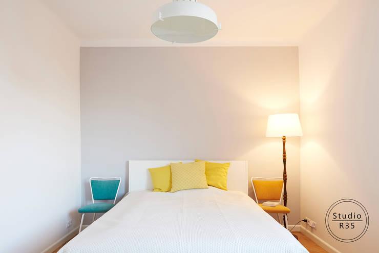 Mokotów 02: styl , w kategorii Sypialnia zaprojektowany przez Studio R35,Minimalistyczny