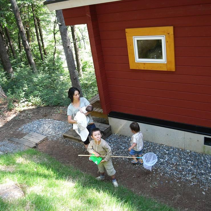 コテージを飛び出して自然の中へ: Cottage Style / コテージスタイルが手掛けたです。