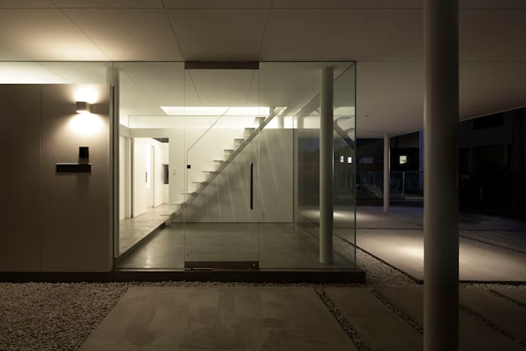 ウキウキハウス: 株式会社CAPDが手掛けた廊下 & 玄関です。