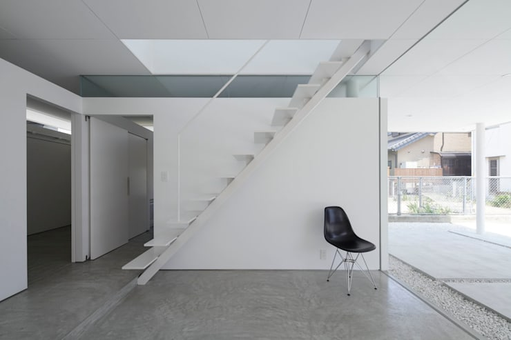 Corridor & hallway by 株式会社CAPD, Eclectic