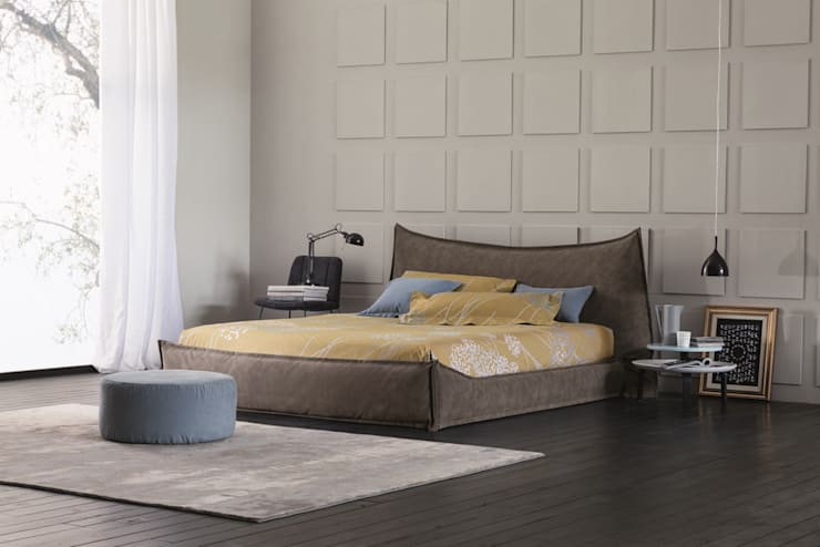 BRAVO - THE LOWEST STORAGE BED ON THE MARKET: Camera da letto in stile in stile Moderno di OGGIONI - The Storage Bed Specialist