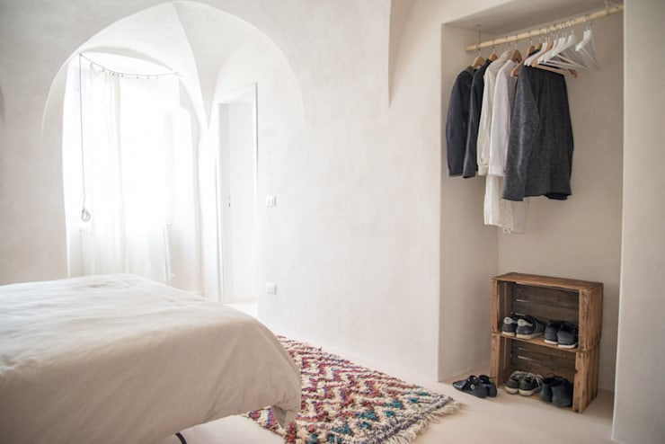 Dormitorios de estilo  por con3studio