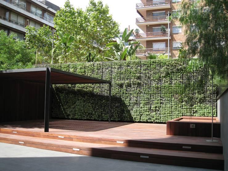 Jardín vertical modular Buresinnova:  de estilo  de BURESINNOVA S.A.