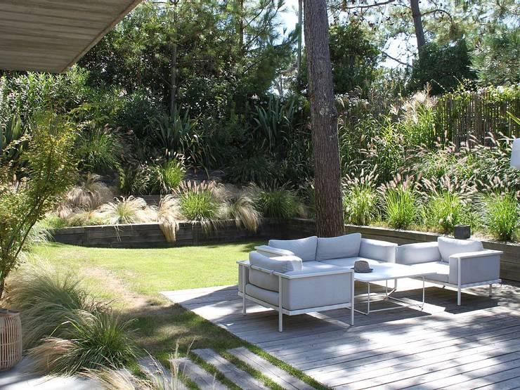 Jardines de estilo moderno por NL-PAYSAGE- PAYSAGISTE DPLG