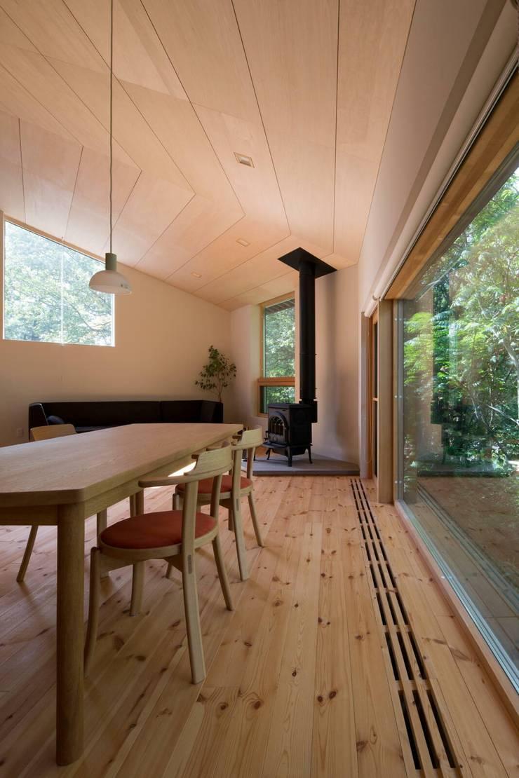 Living room by キタウラ設計室