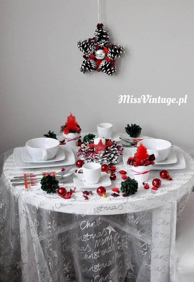 Świąteczny wieniec gwiazda z szyszek od Miss Vintage Rustykalny