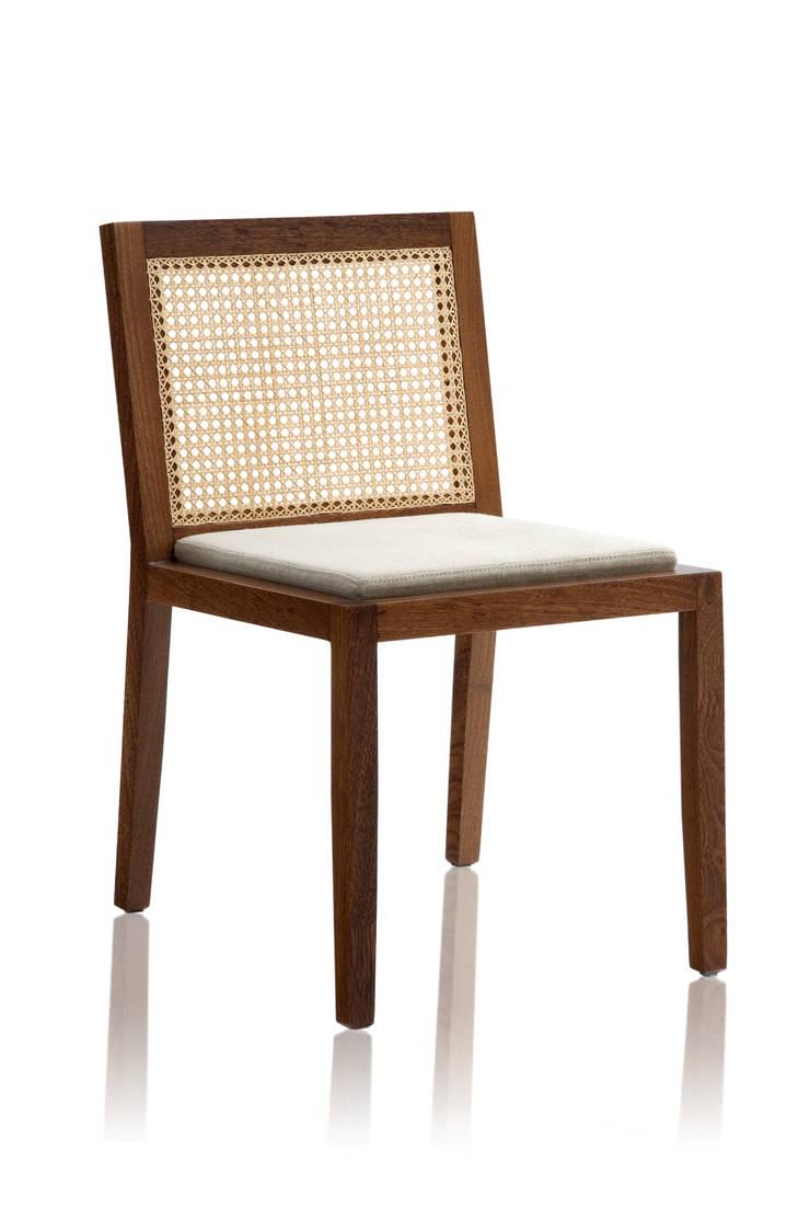 Cadeira PROP sem braço mista: Sala de jantar  por LLUSSÁ Mobiliário de design