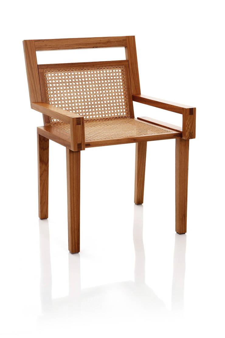 Cadeira ART em palhinha indiana trançada a mão: Sala de jantar  por LLUSSÁ Mobiliário de design