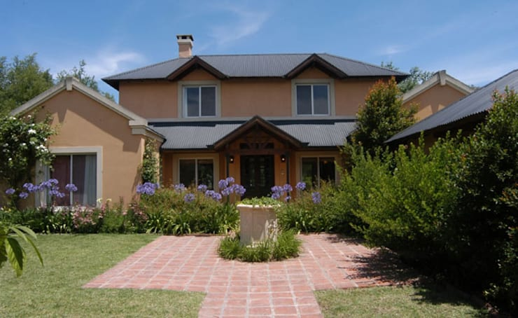 บ้านและที่อยู่อาศัย by Radrizzani Rioja Arquitectos