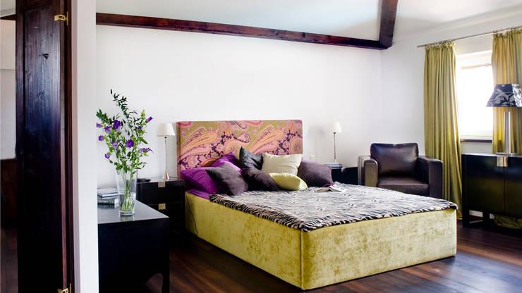 Einfamilienhaus in Perchtoldsdorf bei Wien: mediterrane Schlafzimmer von WUNSCHHAUS