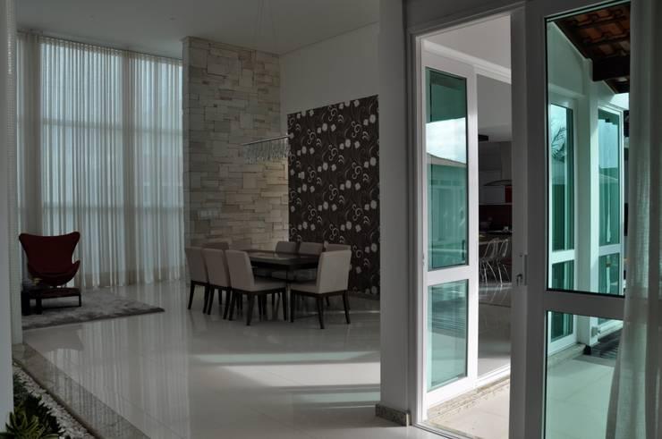 Phòng ăn phong cách hiện đại bởi Libório Gândara Ateliê de Arquitetura Hiện đại